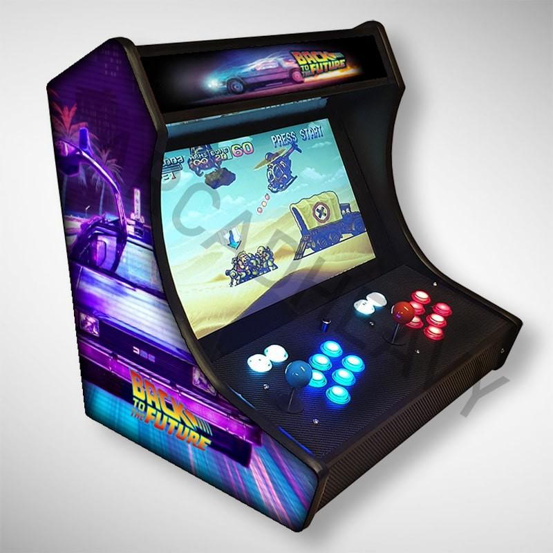 Vue de coté du Bartop retour vers le futur l'écran au top et une partie des 1300 jeux dont street fighter - metal slug