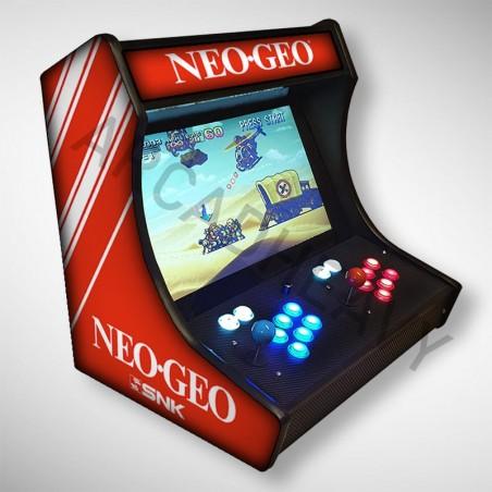 Vue de coté du Bartop SNK NEO GEO l'écran au top et une partie des 1300 jeux dont METAL SLUG
