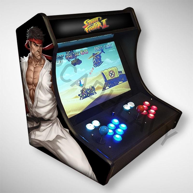 Vue de coté du Bartop Street Fighter l'écran au top et une partie des 1300 jeux dont METAL SLUG, ou même Street Fighter