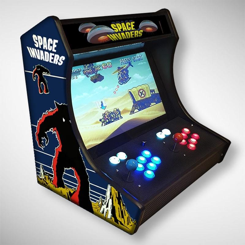 Vue de coté du Bartop Space Invaders l'écran au top et une partie des 1300 jeux dont METAL SLUG